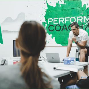 rejoins-la-team-perform-coach